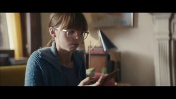 Apple iPhone XS TV Spot, 'Growth Spurt' Song by Confidence Man - Thumbnail 3
