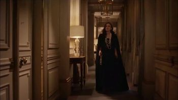 Chanel Coco Mademoiselle L'eau Privee TV Spot, 'Chess' Featuring Keira Knightley - Thumbnail 1