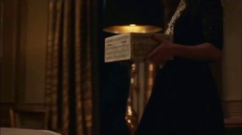 Chanel Coco Mademoiselle L'eau Privee TV Spot, 'Chess' Featuring Keira Knightley - Thumbnail 4
