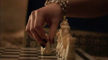 Chanel Coco Mademoiselle L'eau Privee TV Spot, 'Chess' Featuring Keira Knightley - Thumbnail 5