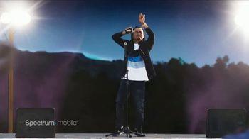Spectrum Mobile TV Spot, 'Auto descompuesto' con Ozuna, canción de Ozuna [Spanish] - Thumbnail 6