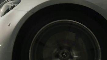 2021 Mercedes-Benz E-Class TV Spot, 'New Attitude' Song by The Struts [T1] - Thumbnail 4