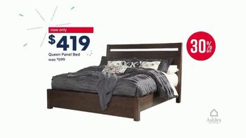 Ashley HomeStore Labor Day Sale TV Spot, 'Final Days: 30% and Queen Bed' - Thumbnail 5