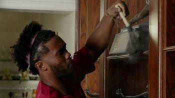 Nissan TV Spot, 'It's Heisman Time' Feat. Lamar Jackson, Tim Tebow, Kyler Murray, Song by Loverboy [T1] - Thumbnail 8