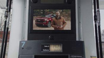 2020 Chevrolet Silverado TV Spot, 'Gas Pump: Cargo Volume' [T2]