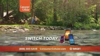 Consumer Cellular TV Spot, 'Cabin: Spring Into Savings' - Thumbnail 10