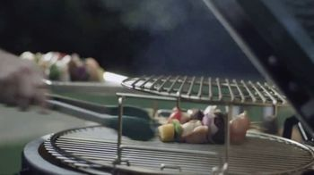 Big Green Egg TV Spot, 'Fire and Flavor: Shop Online' - Thumbnail 3
