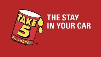 Take 5 Oil Change TV Spot, 'Stay in Your Car Oil Change' - Thumbnail 4
