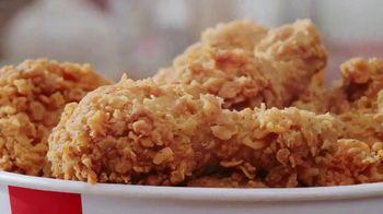 KFC $20 Fill Ups TV Spot, 'Entrega gratis: entrega sin contacto' [Spanish] - Thumbnail 4