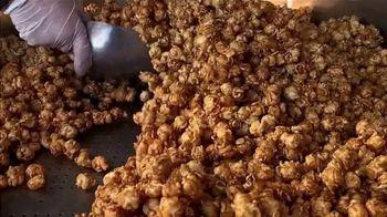 Garrett Popcorn TV Spot, 'Freshly Made' - Thumbnail 2