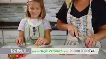 E-Z Board TV Spot, 'Disposable Cutting Board' - Thumbnail 2