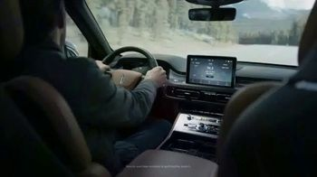 Lincoln Motor Company TV Spot, 'What We Do Best: Virtual Vehicle Touring' [T1] - Thumbnail 4
