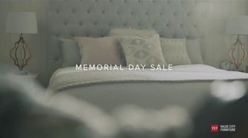 Value City Furniture Memorial Day Sale TV Spot, 'A Comfortable Place' - Thumbnail 2