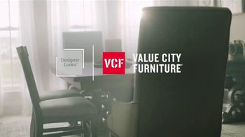 Value City Furniture Memorial Day Sale TV Spot, 'A Comfortable Place' - Thumbnail 3