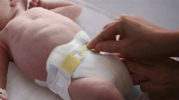 Pampers TV Spot, 'Keeps Skin Dry & Healthy' - Thumbnail 3
