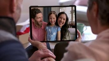 Macy's TV Spot, 'Hola abuela: envío gratis y 25 por ciento de descuento' [Spanish] - Thumbnail 4