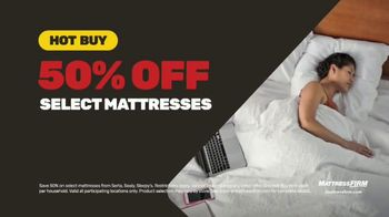 Mattress Firm Memorial Day Sale TV Spot, 'King for a Queen, Free Adjustable Base & 50 Percent Off' - Thumbnail 6