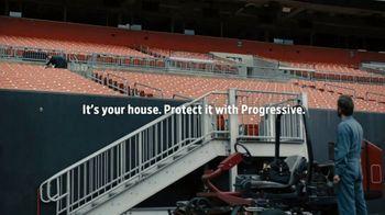 Progressive TV Spot, 'Baker Mayfield Prepares for Rain' - Thumbnail 10