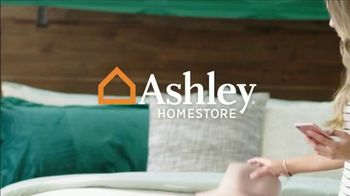 Ashley HomeStore Labor Day Sale TV Spot, 'Final Days: 40% and Dining Sets' - Thumbnail 1