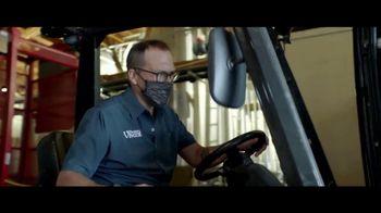 Huntington National Bank 24-Hour Grace for Business TV Spot, 'Working Hard' - Thumbnail 3