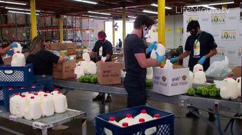 LifeMinute TV TV Spot, 'Food for Thought' con Jaime Camil, Matt Bomer [Spanish] - Thumbnail 2