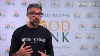 LifeMinute TV TV Spot, 'Food for Thought' con Jaime Camil, Matt Bomer [Spanish] - Thumbnail 4