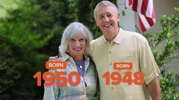Consumer Cellular TV Spot, 'Folks: Couple: First Month Free' - Thumbnail 2