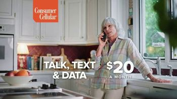 Consumer Cellular TV Spot, 'Folks: Couple: First Month Free' - Thumbnail 6
