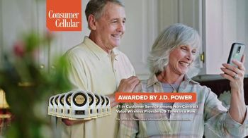 Consumer Cellular TV Spot, 'Folks: Couple: First Month Free' - Thumbnail 8