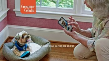 Consumer Cellular TV Spot, 'Folks: Couple: First Month Free' - Thumbnail 9