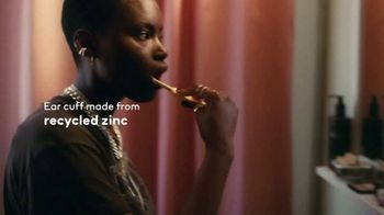 H&M TV Spot, 'Let's Change. In Every Detail.' - Thumbnail 6