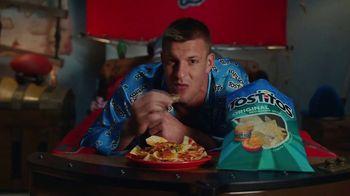 Frito Lay TV Spot, ''Twas the Night Before Kickoff' Featuring Marshawn Lynch, Ezekiel Elliot, Rob Gronkowski - Thumbnail 2