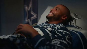 Frito Lay TV Spot, ''Twas the Night Before Kickoff' Featuring Marshawn Lynch, Ezekiel Elliot, Rob Gronkowski - Thumbnail 4
