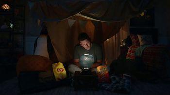 Frito Lay TV Spot, ''Twas the Night Before Kickoff' Featuring Marshawn Lynch, Ezekiel Elliot, Rob Gronkowski - Thumbnail 5
