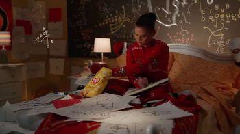 Frito Lay TV Spot, ''Twas the Night Before Kickoff' Featuring Marshawn Lynch, Ezekiel Elliot, Rob Gronkowski - Thumbnail 6