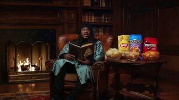 Frito Lay TV Spot, ''Twas the Night Before Kickoff' Featuring Marshawn Lynch, Ezekiel Elliot, Rob Gronkowski - Thumbnail 8