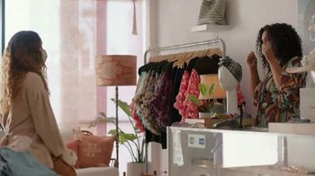 American Express TV Spot, 'It's the Small Details: Boutique' - Thumbnail 10