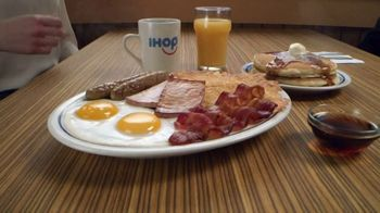 IHOP Ultimate BreakFEASTS TV Spot, 'Except for Bears: Free Delivery' - Thumbnail 1