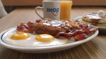 IHOP Ultimate BreakFEASTS TV Spot, 'Except for Bears: Free Delivery' - Thumbnail 5