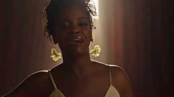 Crown Royal TV Spot, 'If You Want Me to Stay' Song by Ari Lennox, Anthony Ramos - Thumbnail 4