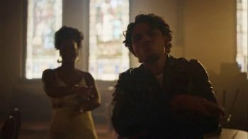 Crown Royal TV Spot, 'If You Want Me to Stay' Song by Ari Lennox, Anthony Ramos - Thumbnail 8