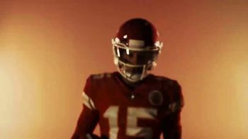 Oakley x NFL TV Spot, 'We Shape the Future' Feat. JuJu Smith-Schuster, Patrick Mahomes - Thumbnail 8