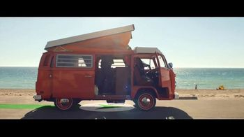 Fidelity Investments TV Spot, 'Keep Moving' Song by OMD - Thumbnail 2