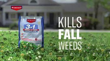 BioAdvanced 3-in-1 Weed & Feed TV Spot, 'Fall' - Thumbnail 4