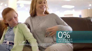 La-Z-Boy 37 Hour Sale TV Spot, 'Favorite Spot: Save 37% Storewide' - Thumbnail 9