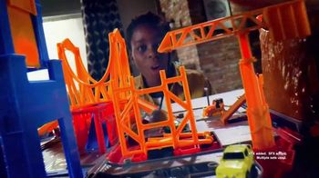 Micro Machines Super Van City TV Spot, 'Seriously Sleek' - Thumbnail 4