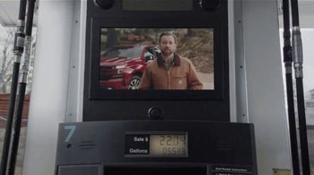 2020 Chevrolet Silverado TV Spot, 'Gas Pump: Cargo Volume' [T2]