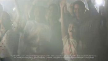 Capital One Savor Card TV Spot, 'Diner: 4%' Featuring Taylor Swift - Thumbnail 9