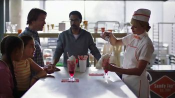 Capital One Savor Card TV Spot, 'Diner: 4%' Featuring Taylor Swift - Thumbnail 6