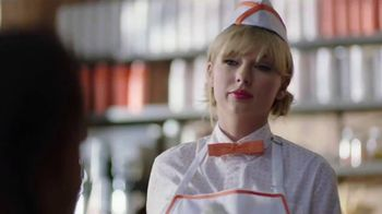 Capital One Savor Card TV Spot, 'Diner: 4%' Featuring Taylor Swift - Thumbnail 7